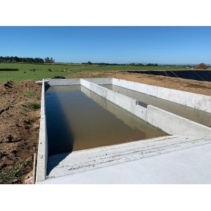 Storage Ponds and Bunkers using Free Standing Walls